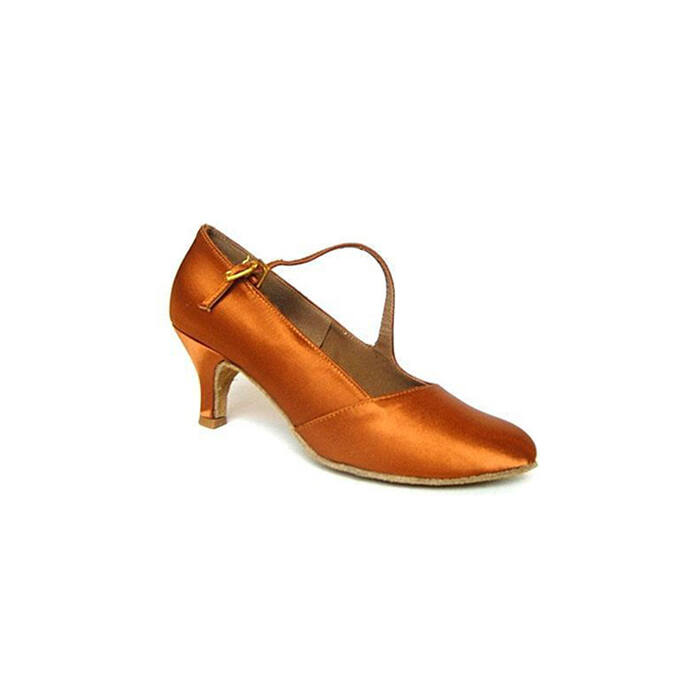 Ciklámen női standard cipő